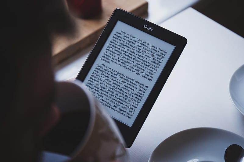 Major Advantages of E-texts Versus Traditional Textbooks